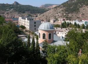 hram-12-apostolov-500x363